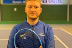 Endelig kan vi tilby tenniskurs – for alle aldersgrupper