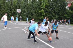 Basketturnering med solskinn og stor innsats